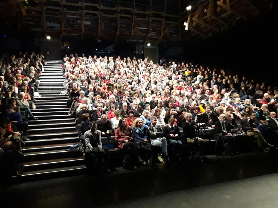 Rencontre sde Sophie Guerre et paix Philosophia Lieu Unique de Nantes lieu Unique Grand atelier plein